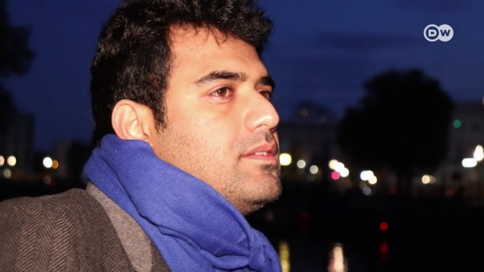 پاکستانی نوجوان شناخت کے بحران کا شکار ہیں، جواد شریف